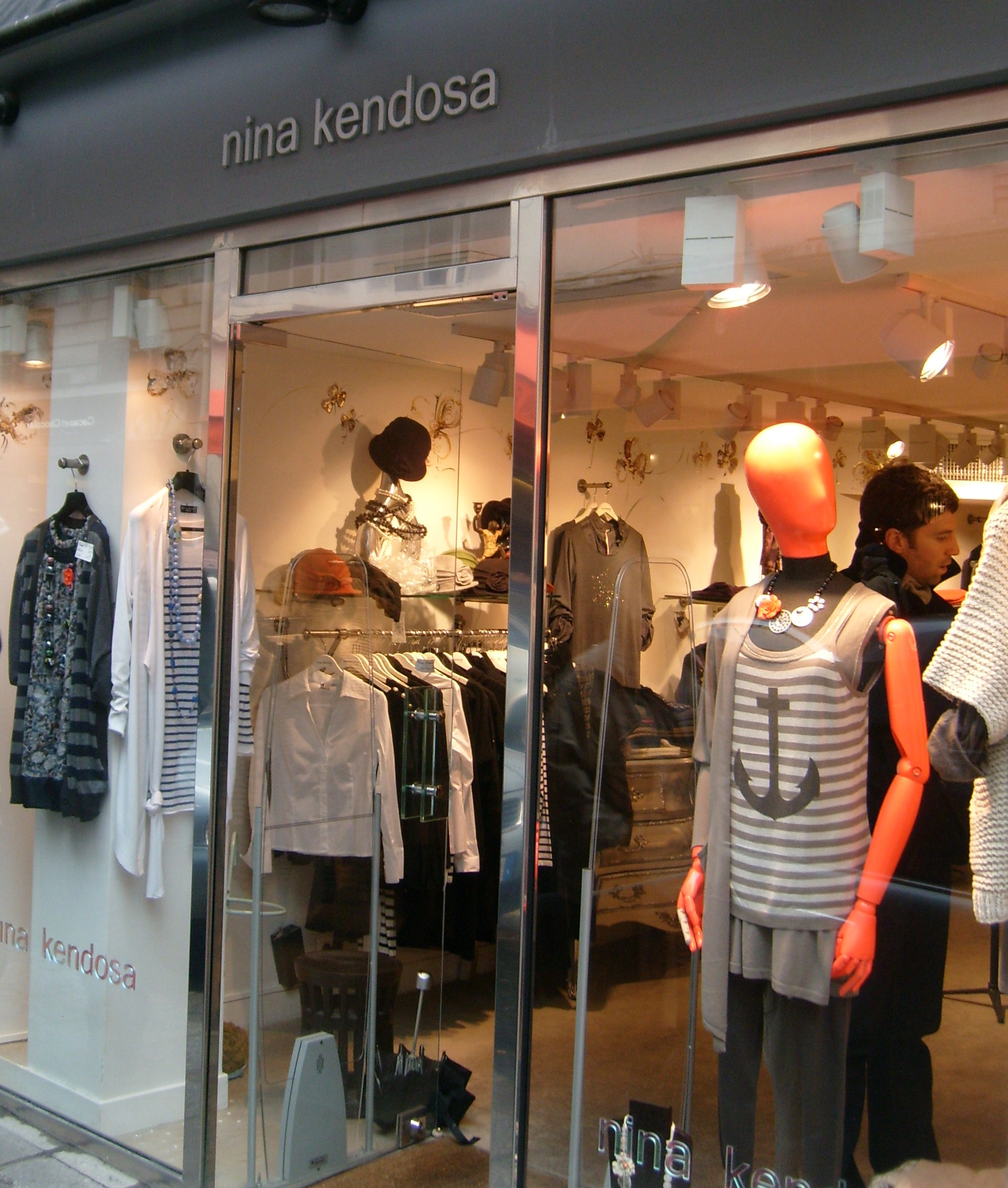 Weekend in paris nina kendosa boutique must shop - Paris shopping boutiques ...