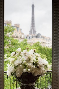 Amazing backdrop for a Parisian wedding.