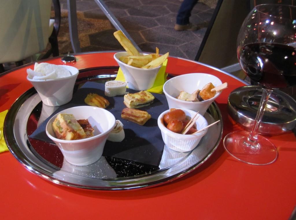 Happy Hour snacks in France