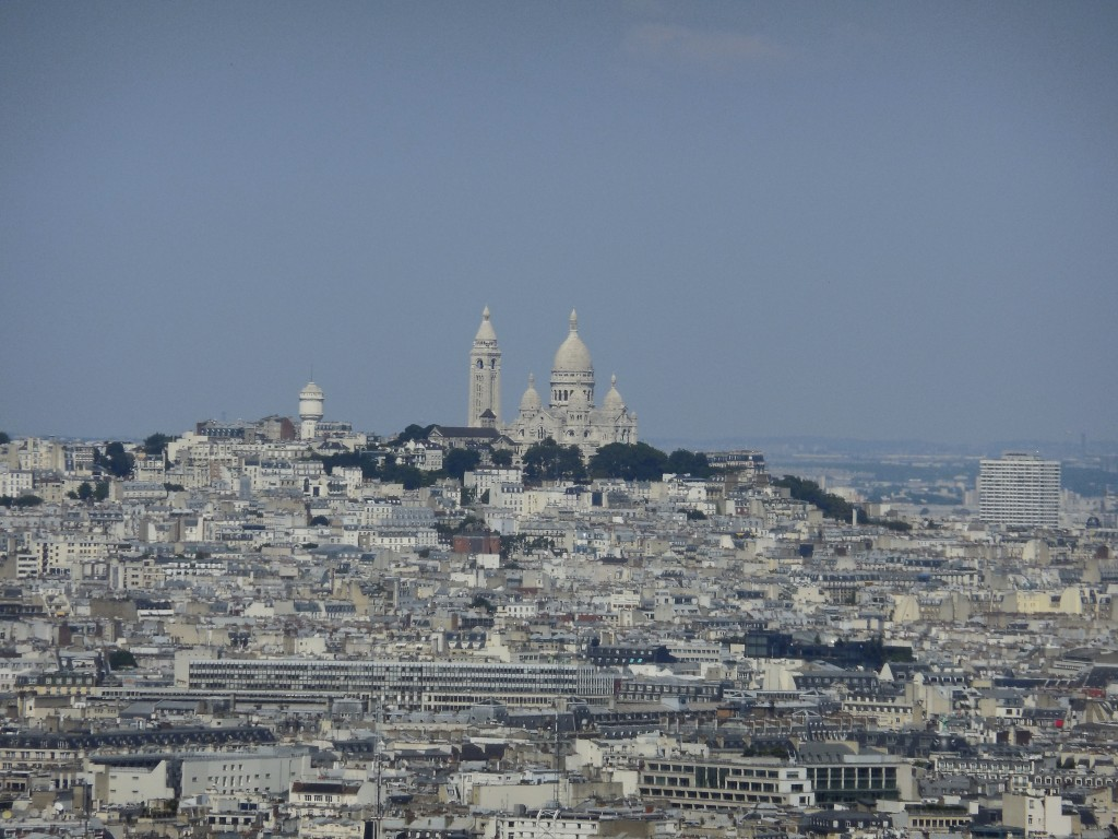 Sacre Coeur in the background