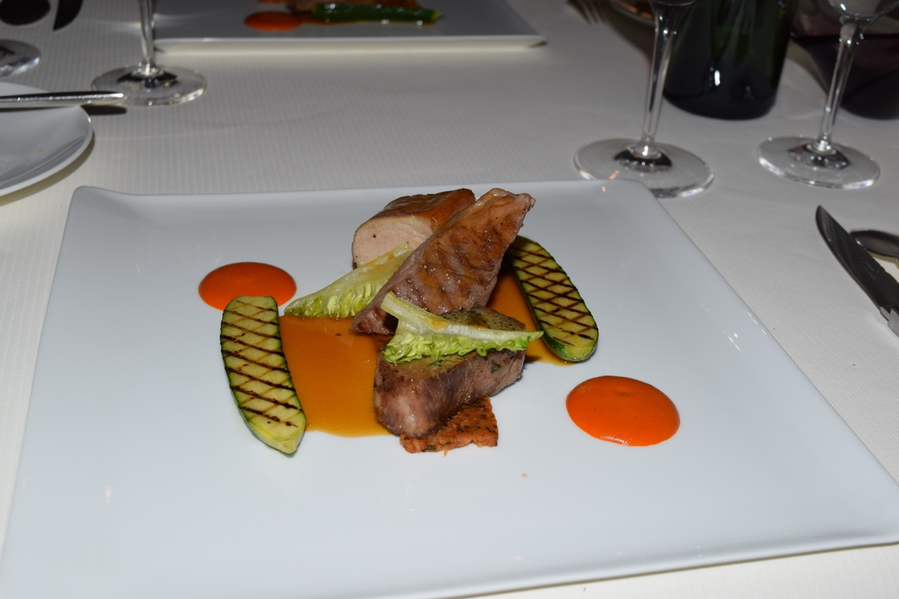 Iberian-pork assortment, grilled sweet peppers and peanuts