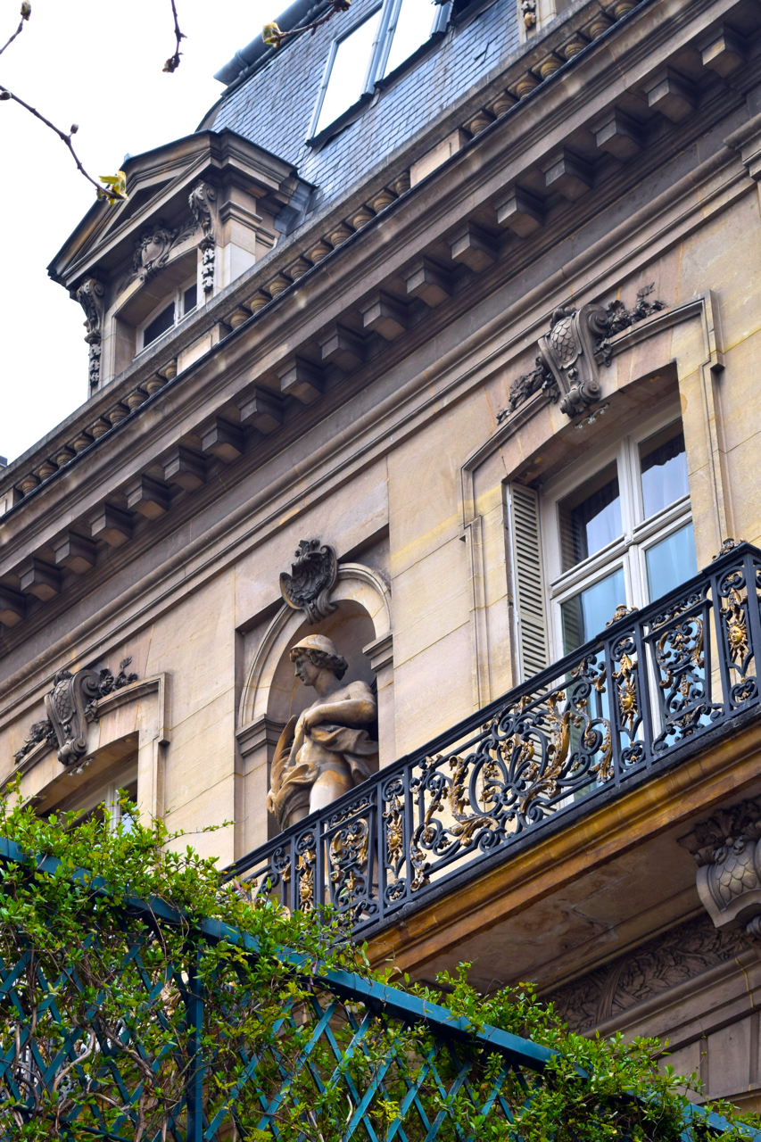 Weekend in paris a walk in the 8th and paris luxury for Paris hotel 8th arrondissement